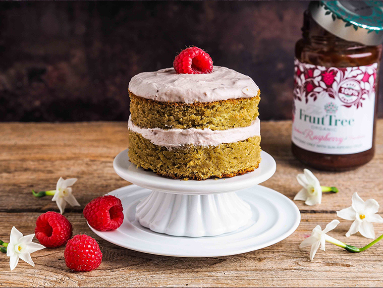 Matcha Cake With Raspberry Frosting